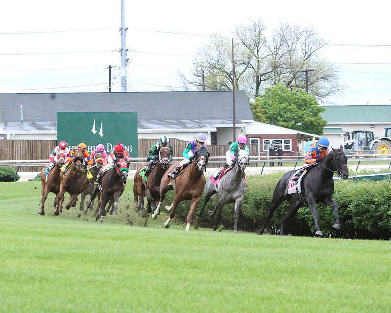 GREEN-MASK---The-Twin-Spires-Turf-Sprint-Gr-lll---23rd-Running---05-05-17---R07---CD---Turn-1