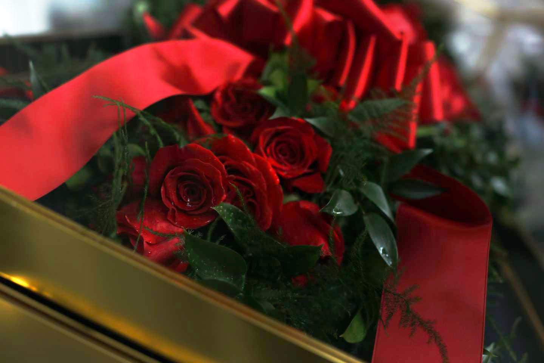garland-of-roses-2