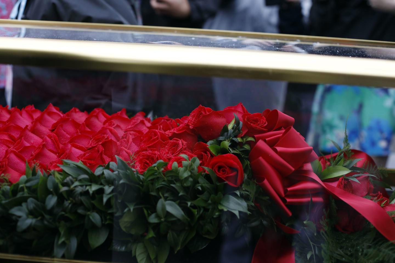 garland-of-roses-13