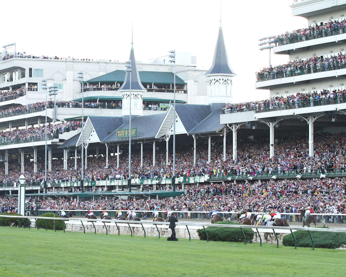 ALWAYS-DREAMING----The-Kentucky-Derby-Gr-1---143rd-Running---05-06-17---R12---CD---Inside-Turn-3