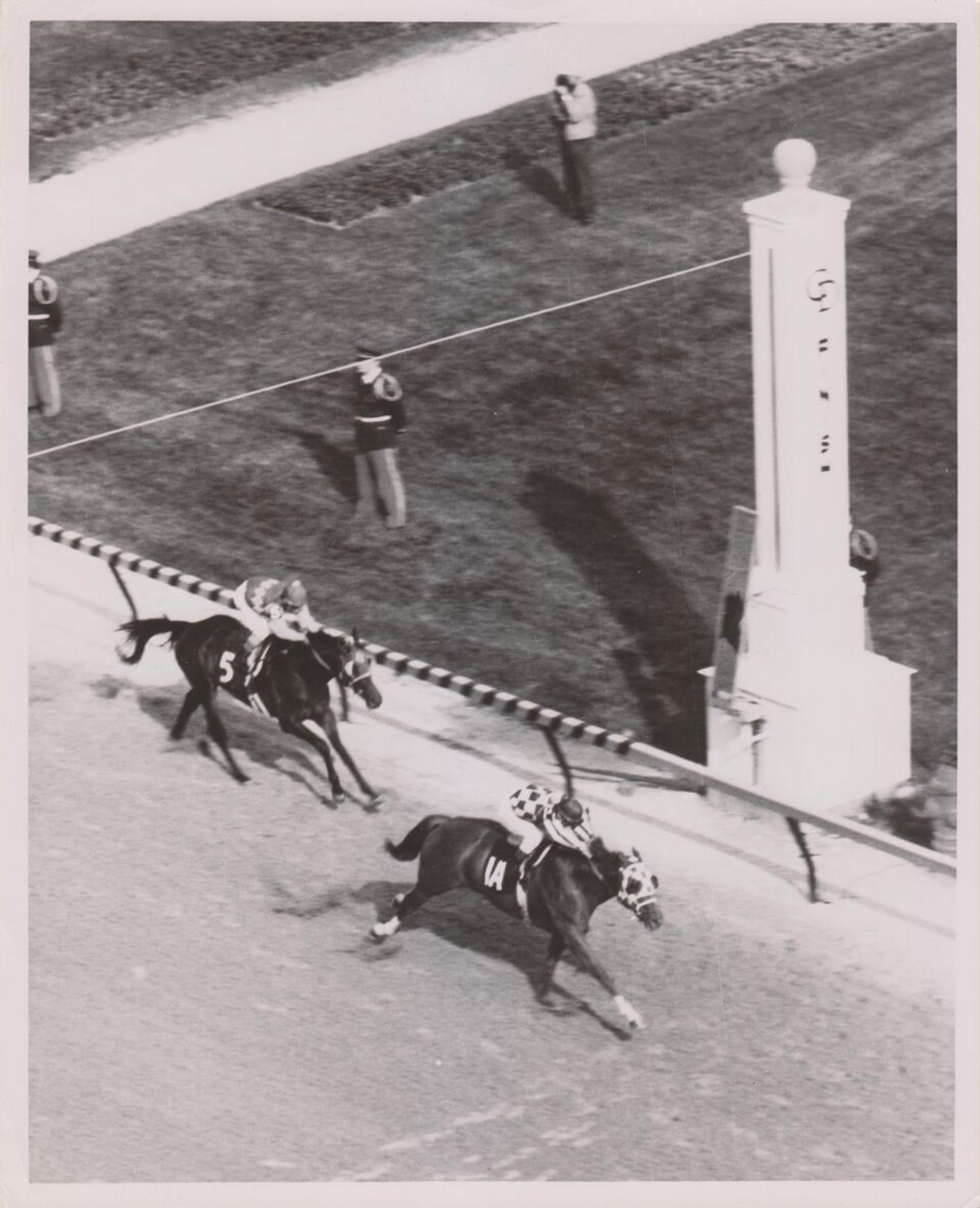 Secretariat_Wins_1973_Derby