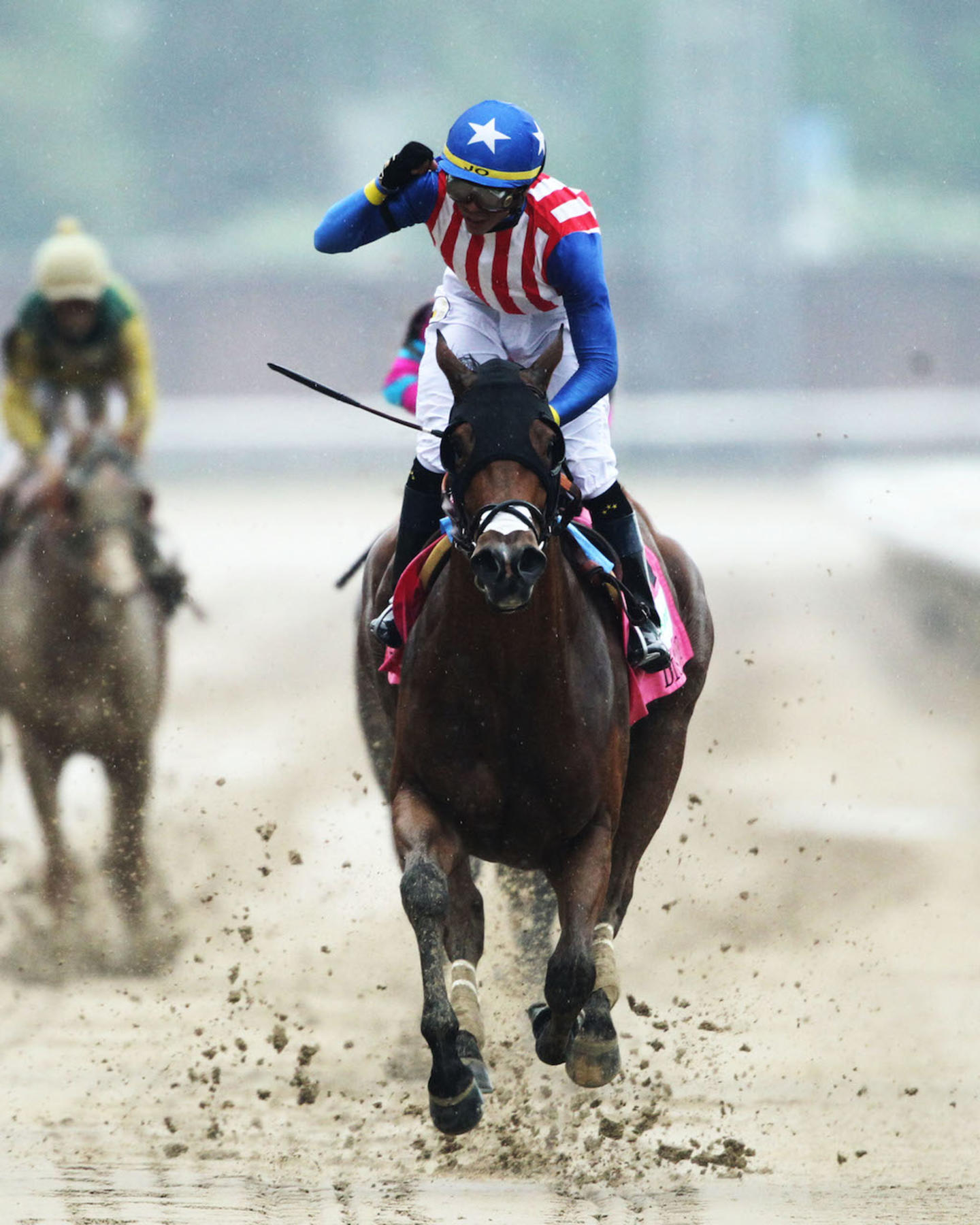 AMERICAN GAL - The Humana Distaff G1 - 32nd Running - 05-05-18 - R06 - CD - Head On Finish 02
