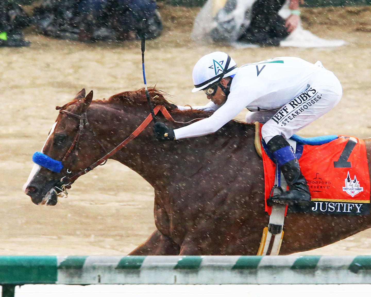 JUSTIFY---The-Kentucky-Derby-G1---144th-Running---05-05-18---R12---CD---Inside-Finish-01