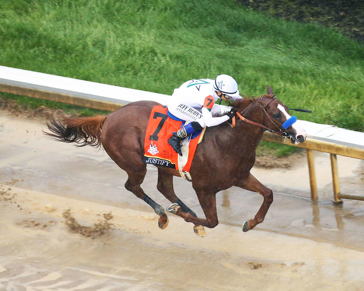JUSTIFY---The-Kentucky-Derby-G1---144th-Running---05-05-18---R12---CD---Aerial-Finish-1