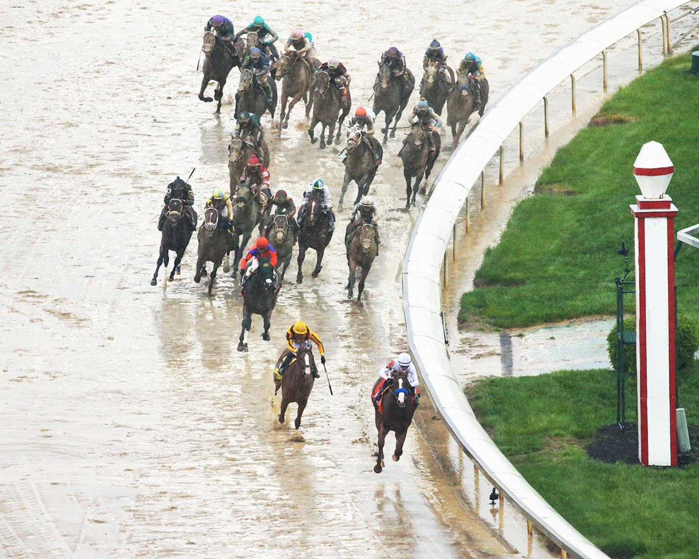 JUSTIFY---The-Kentucky-Derby-G1---144th-Running---05-05-18---R12---CD---Aerial-Turn-01