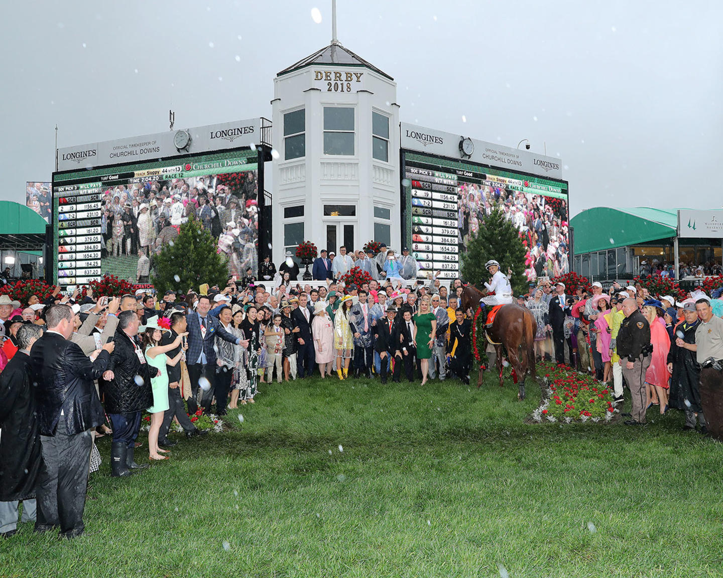 JUSTIFY---The-Kentucky-Derby-G1---144th-Running---05-05-18---R12---CD---Winners-Circle-01