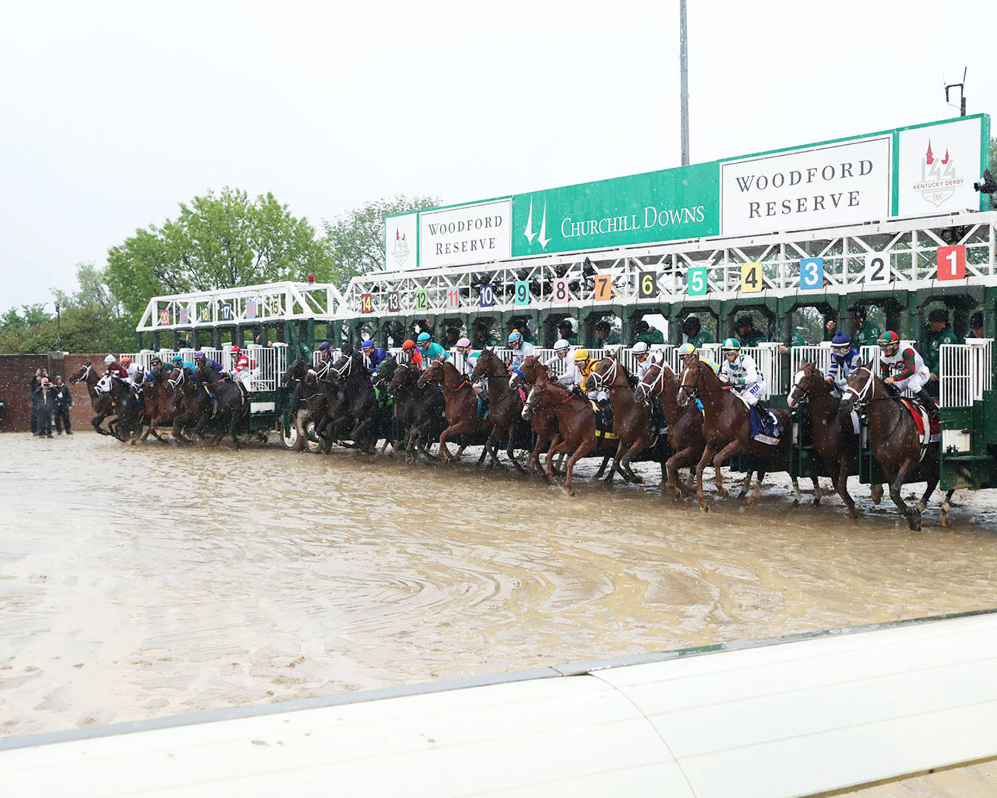 JUSTIFY---The-Kentucky-Derby-G1---144th-Running---05-05-18---R12---CD---Gate-Start-01