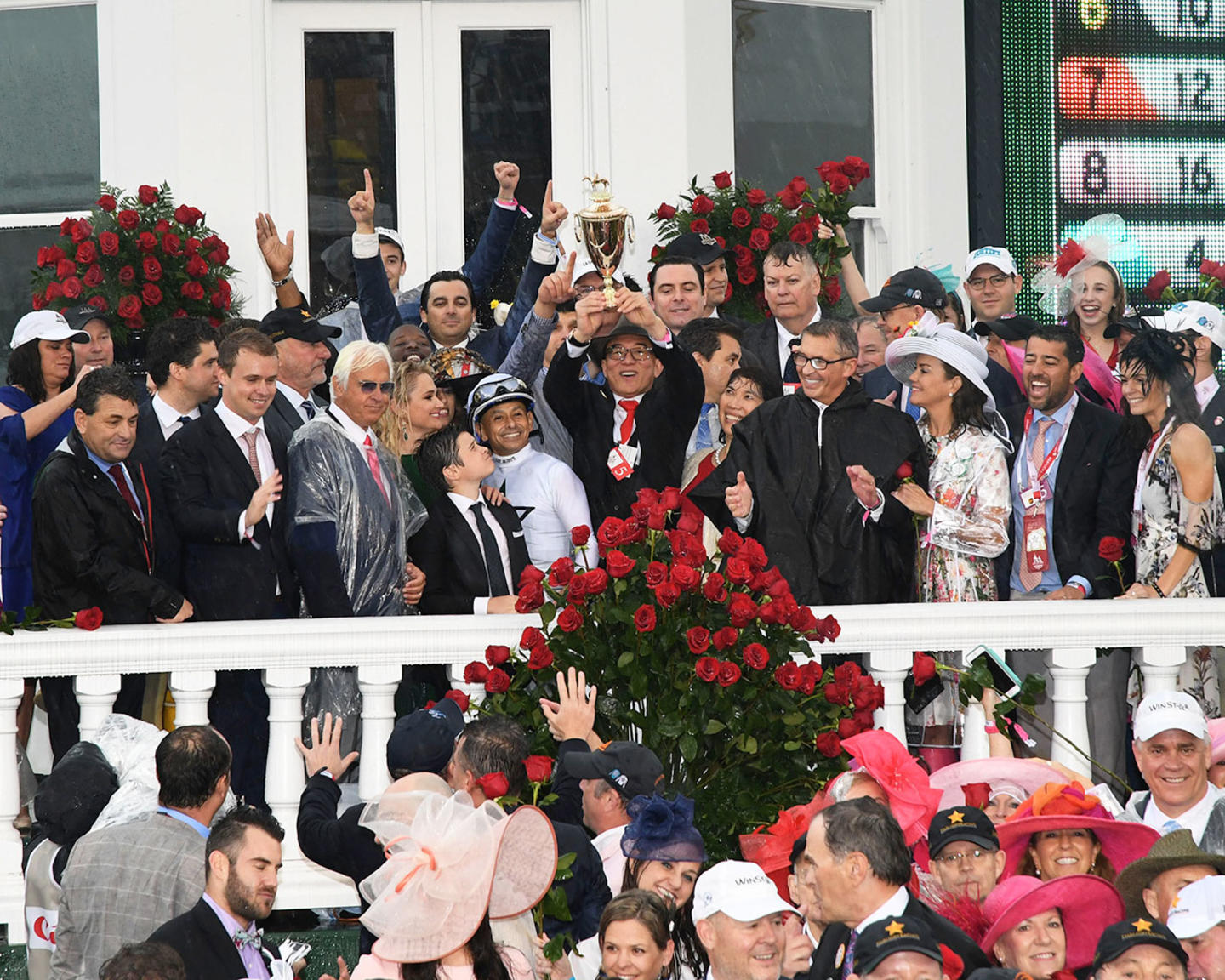 JUSTIFY---The-Kentucky-Derby-G1---144th-Running---05-05-18---R12---CD---Trophy-Group-Photo-04