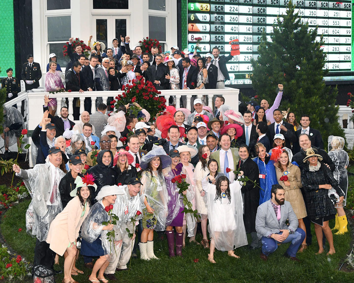 JUSTIFY---The-Kentucky-Derby-G1---144th-Running---05-05-18---R12---CD---Trophy-Group-Photo-06