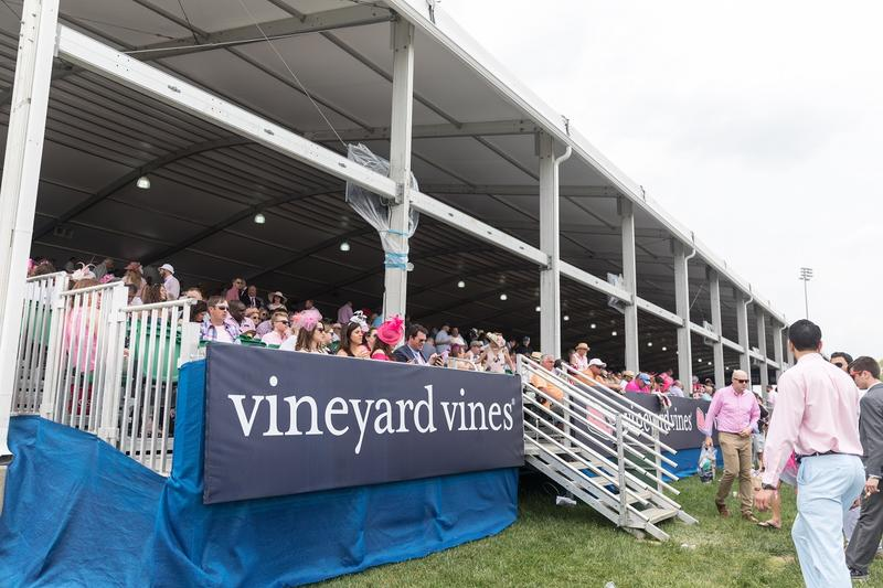 vineyardvines_club_entry