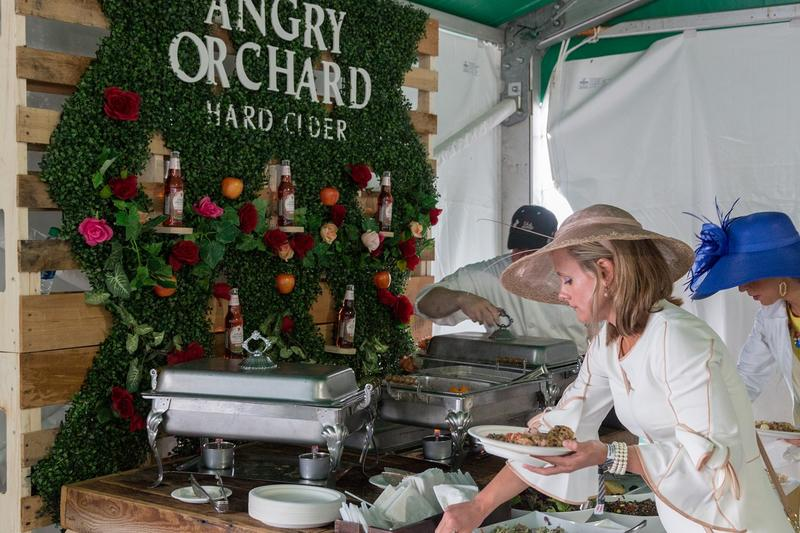 angry_Orchard_Club_Buffet