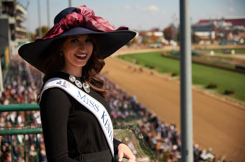 Miss America 2018 in hat