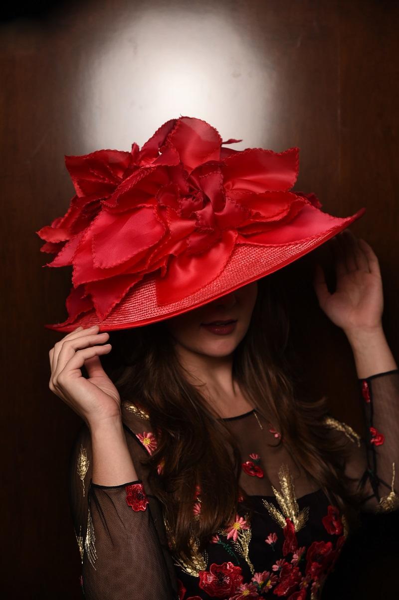 CM_Red_Hat