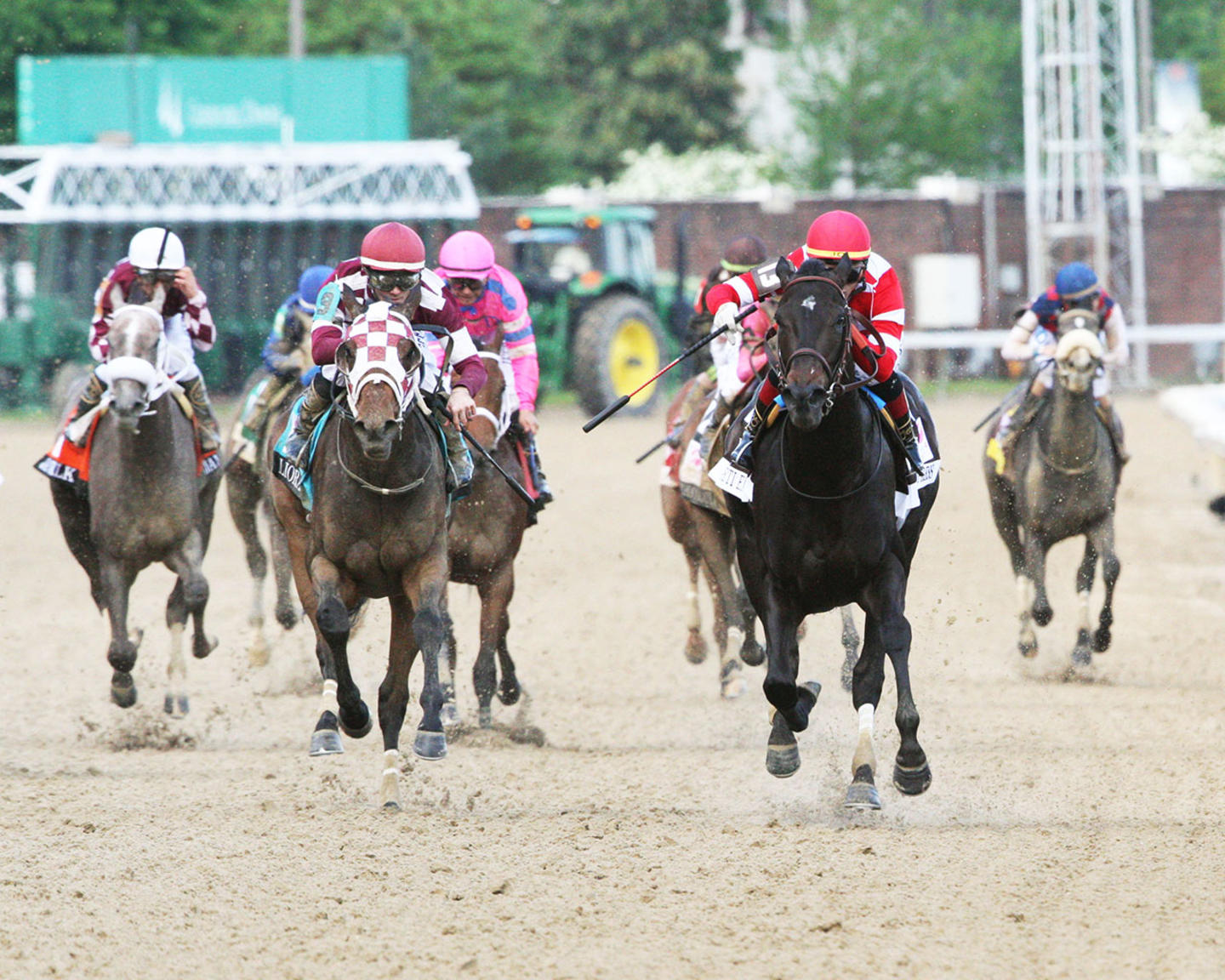 SERENGETI-EMPRESS---The-Longines-Kentucky-Oaks---145th-Running---05-03-19---R11---CD---Head-On-01