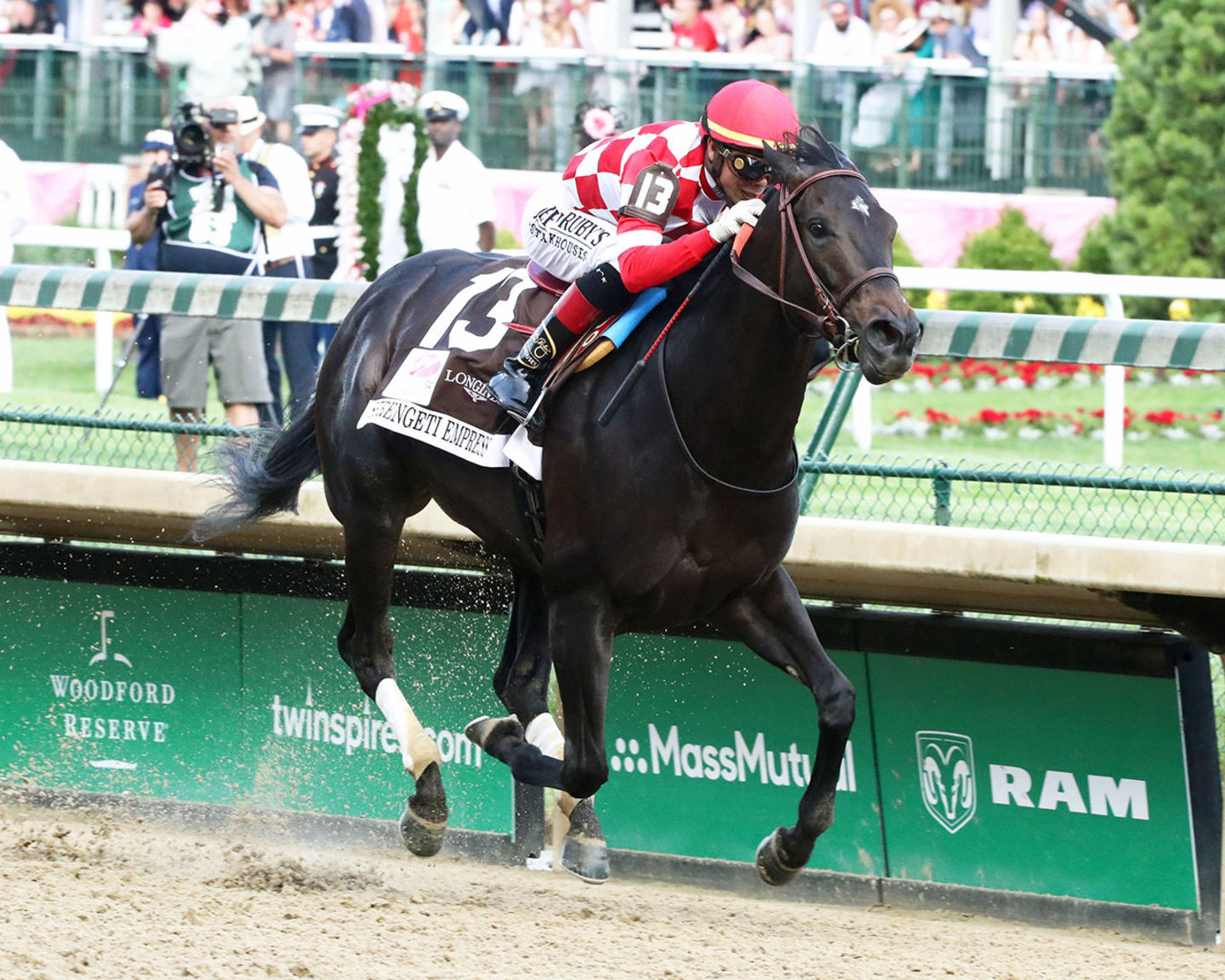 SERENGETI-EMPRESS---The-Longines-Kentucky-Oaks---145th-Running---05-03-19---R11---CD---Finish-03