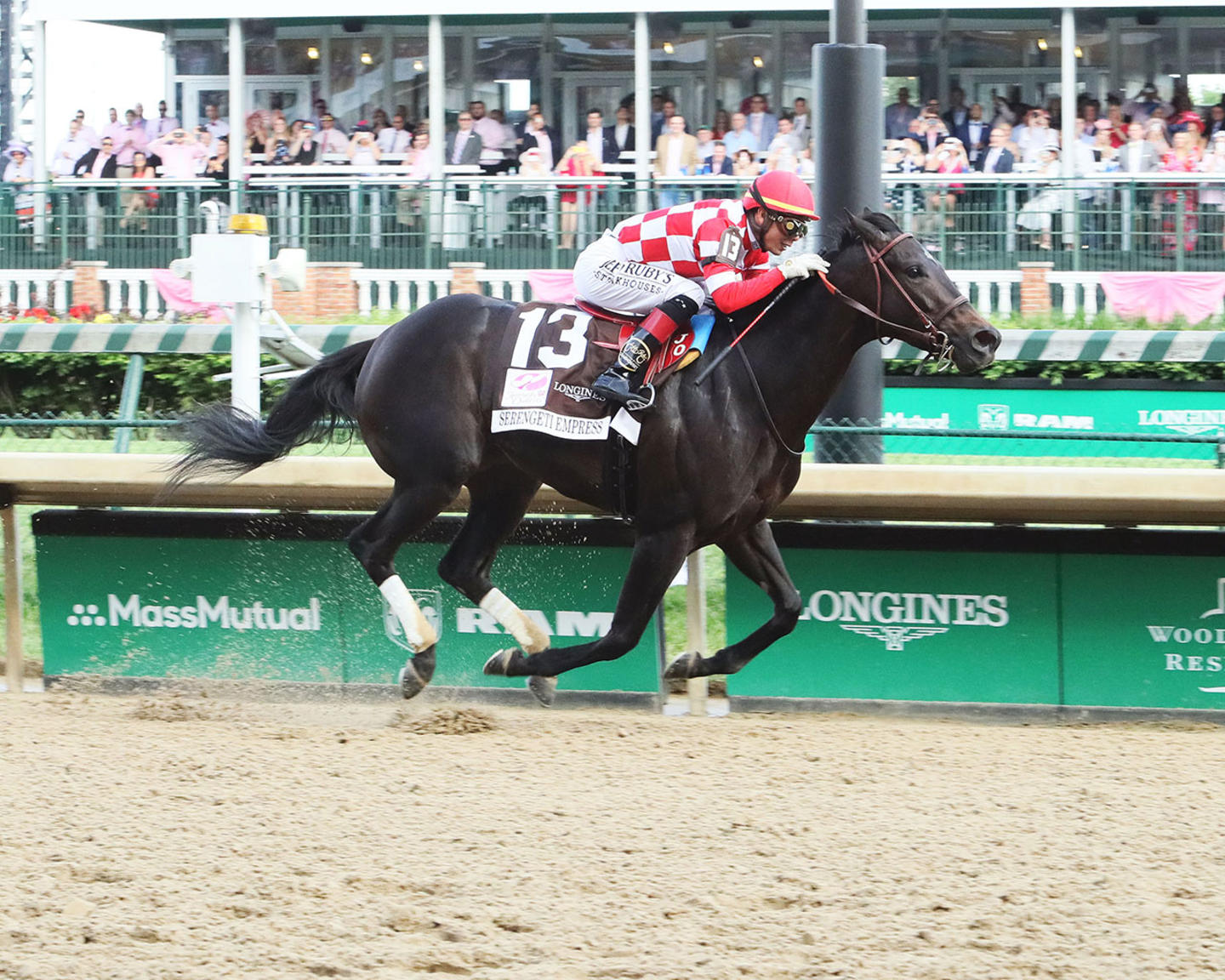 SERENGETI-EMPRESS---The-Longines-Kentucky-Oaks---145th-Running---05-03-19---R11---CD---Finish-01