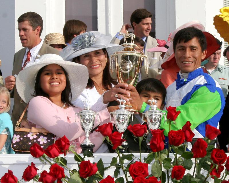 20060506 Prado Family with Trophy