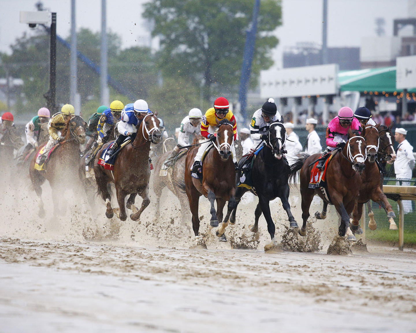 COUNTRY-HOUSE---The-Kentucky-Derby---145th-Running---05-04-19---R12---CD---Stretch-01