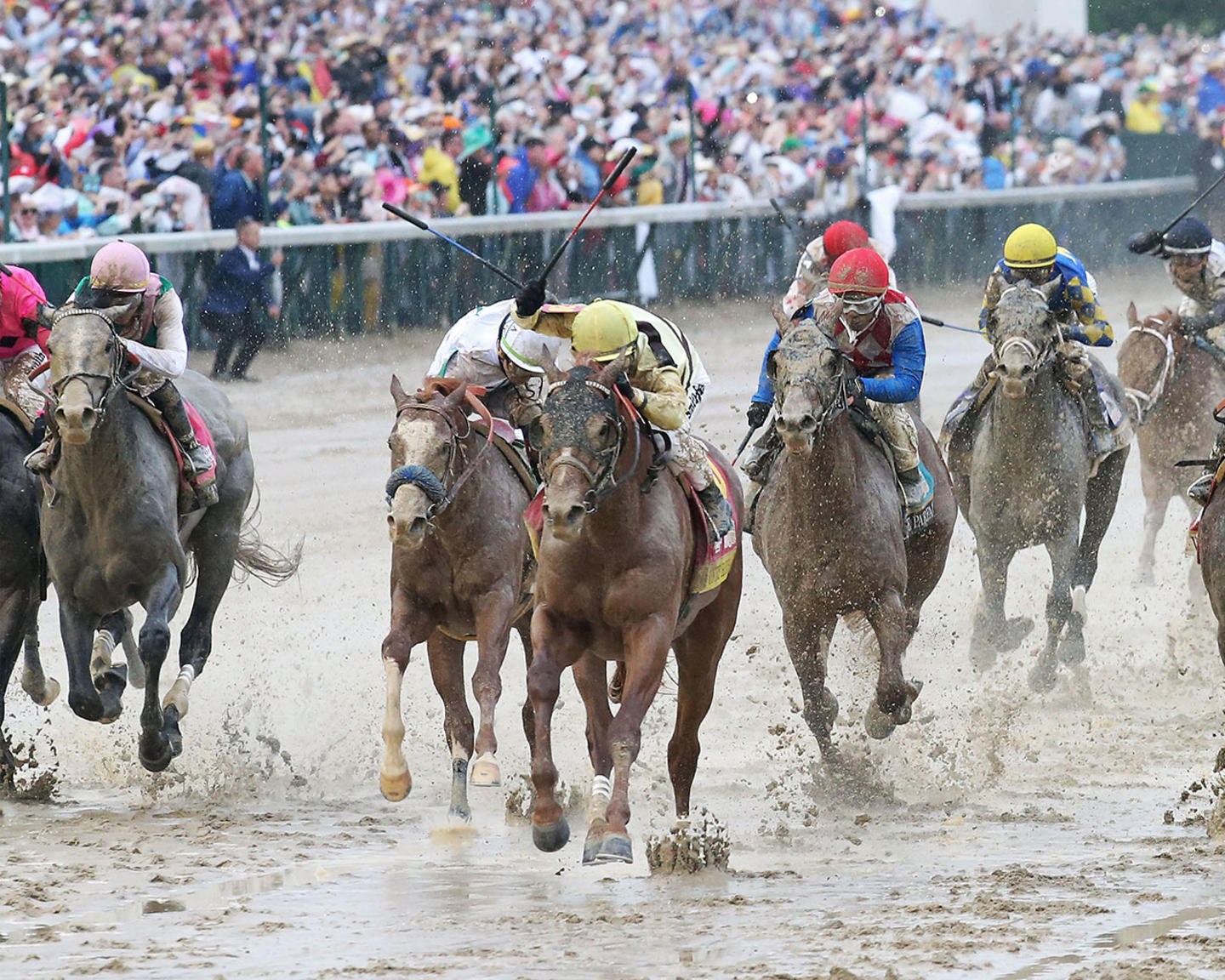 COUNTRY-HOUSE---The-Kentucky-Derby---145th-Running---05-04-19---R12---CD---Inside-Finish-02