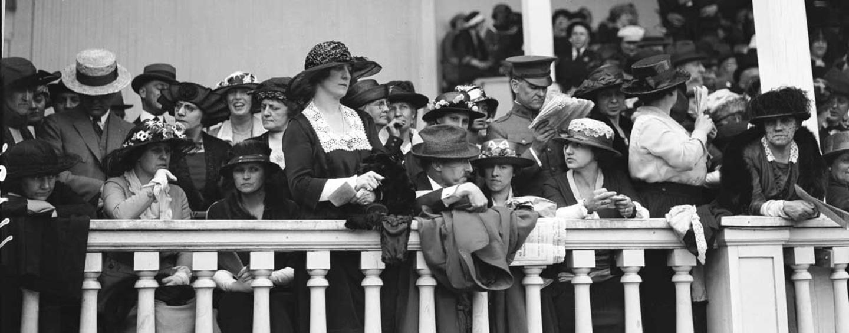 1921-balcony
