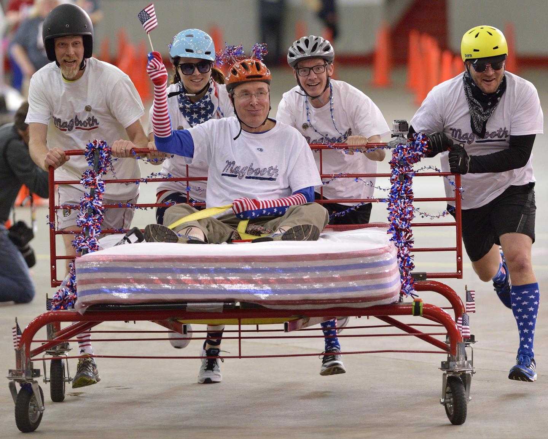 Kentucky Derby Festival Great Bed Races 2015