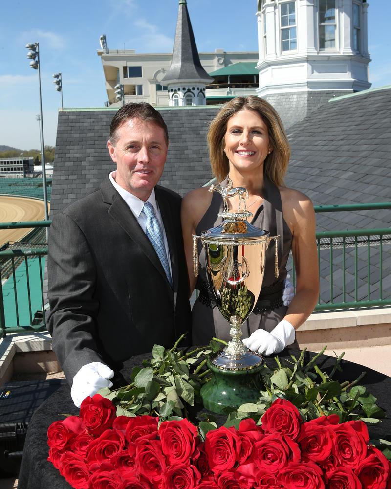 20160414 Kentucky Derby Trophy Arrival - CD2
